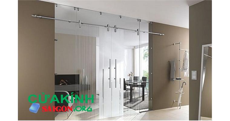 Cửa kính cường lực mở trượt đem lại vẻ đẹp sang trọng cho mọi căn nhà