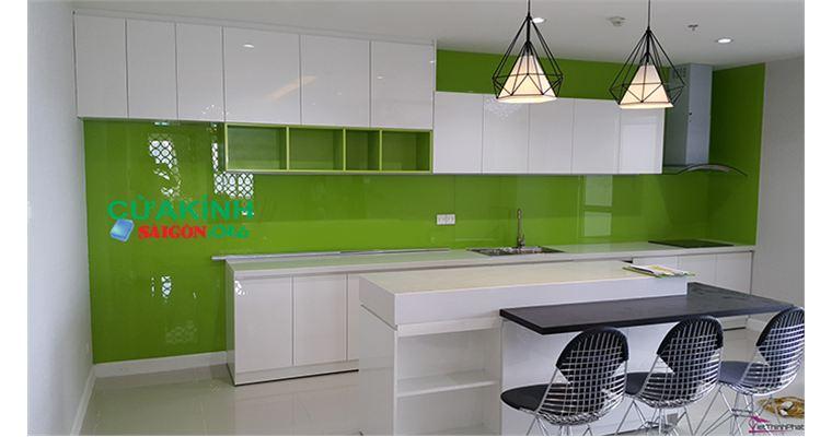 05 mẫu kính ốp bếp màu xanh phù hợp với phong thủy căn nhà