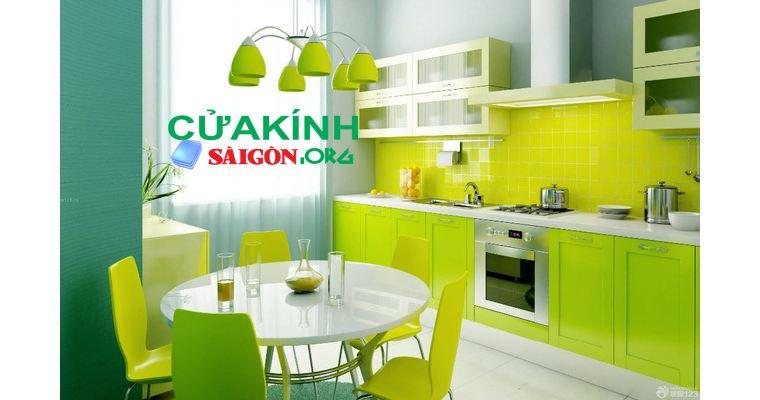 Cách lựa chọn màu kính bếp đẹp phù hơp với không gian bếp gia đình bạn