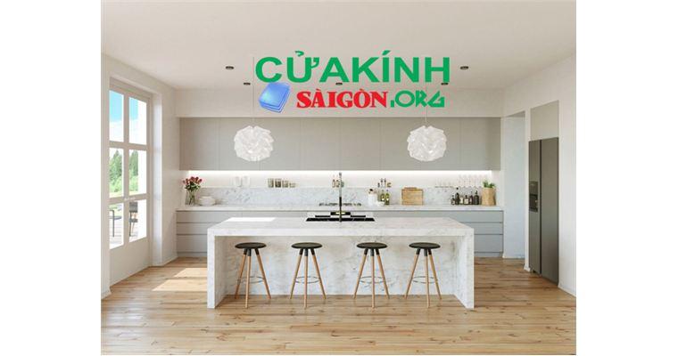 Các mẫu kính bàn bếp phù hợp với không gian gia đình