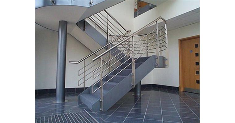 Những mẫu tay vịn cầu thang inox, bền bỉ, tiện lợi nên có trong mỗi gia đình