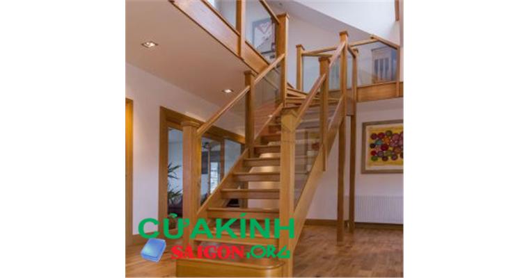 Top trụ cầu thang gỗ vuông, đẹp nhất hiện nay cho các gia đình