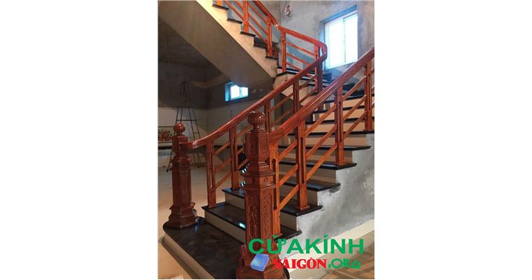 8 mẫu trụ cầu thang gỗ đẹp đáng lựa chọn 2019