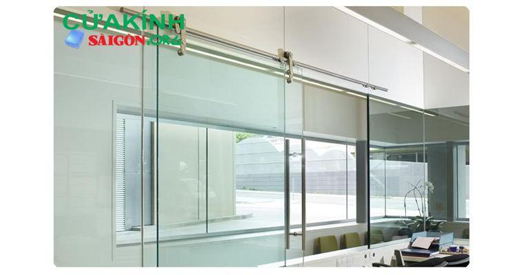 Cửa kính 1 chiều thiết kế kiểu dáng đẹp, chất lượng tốt