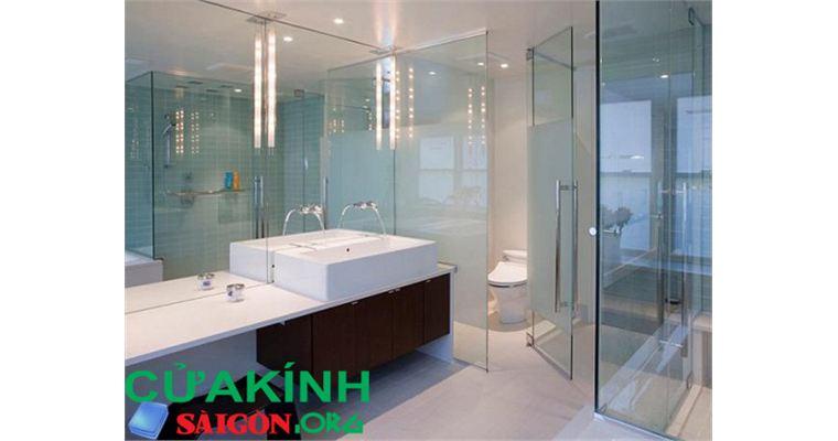 Vách kính tắm cường lực giá rẻ, vách kiếng đứng phòng tắm