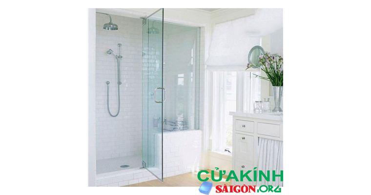 Những lưu ý khi dùng vách kính phòng tắm mà bạn cần biết
